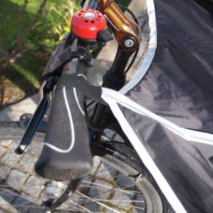 Drachenhaut am Fahrradlenker