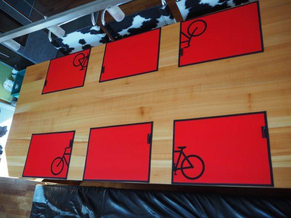 Rote Platzsets aus LKW-Plane – 2 Stück
