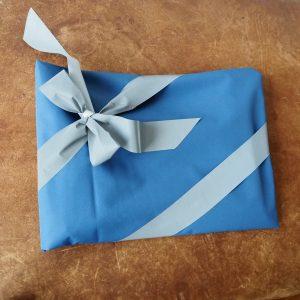 Furoshiki- Geschenkverpackung für Drachenhaut